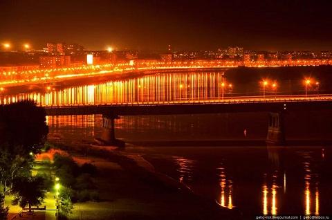 в Омске заканчивается строительство новой насосной тепловой станции
