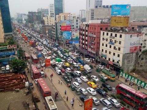 В столице Бангладеш обостряется проблема с питьевым водоснабжением