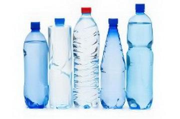 Роскачество проверит питьевую бутилированную воду по 100 параметрам