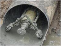 Работники водоканала Архангельска внутрь стального дюкера заведут пластиковую трубу