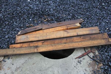 Котласский «Горводоканал» по суду заплатит местному жителю за ремонт поврежденного автомобиля