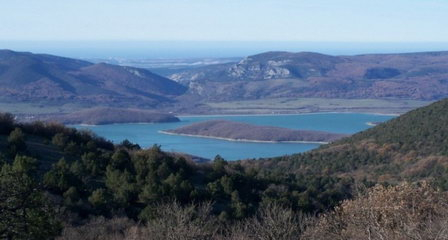 Водоисточники Байдарской долины Крыма передают в частные руки