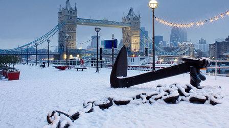Лондон страдает от холодов и прорывов на водоводах