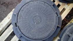 В Саратове установят 1000 новых крышек канализационных люков