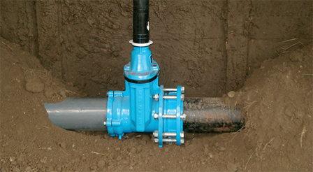 Специалисты Ростовского водоканала испытали фланцевый адаптер большого диаметра на восстановлении магистрального водовода