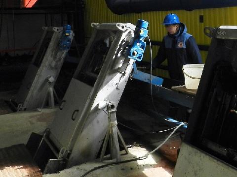 В АО «Апатитыводоканал» заменены механические решетки на очистных сооружениях канализации
