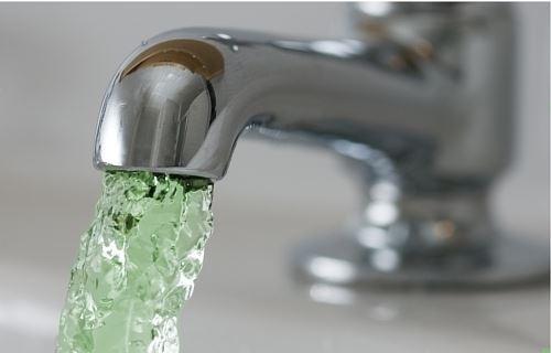 Жители в 9 pайонах Омской области  потpебляют некачественную воду