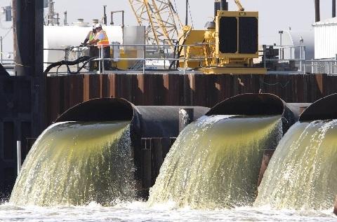 17 челябинских производств оснастят счетчиками контроля за выбросами