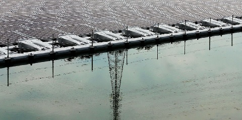 На очистных сооружениях канализации в Австралии запущена первая в стране плавучая солнечная электростанция