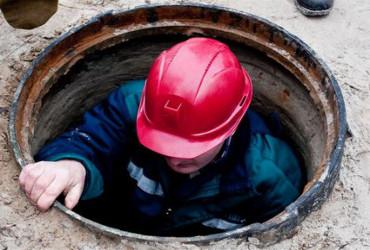 В Хвалынске Саратовской области рабочие водоканала сдетонировали взрыв в канализационном колодце