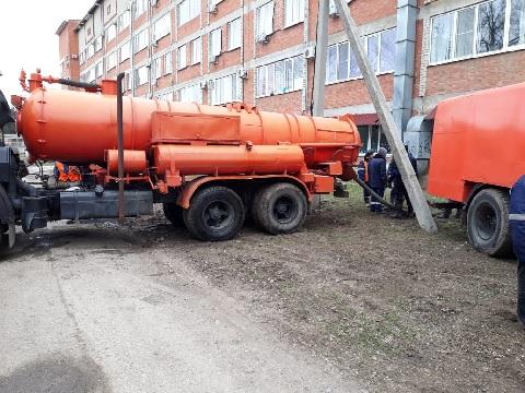 ГУП «Кубаньводкомплекс» начало промывку канализационных сетей в городе Ейске