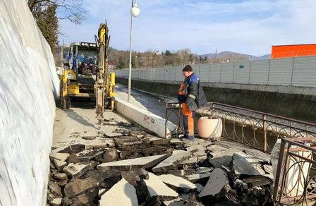В приморскую зону Туапсе протянут канализацию и построят КНС