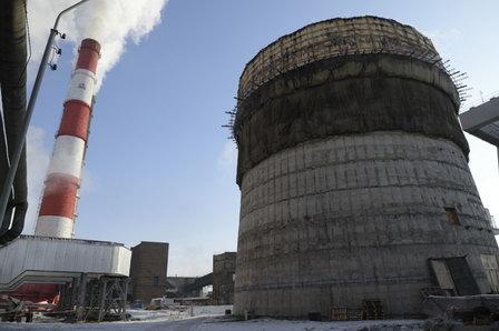 Верхолазы CГК ведут монтаж новой трубы на ТЭЦ-1 Красноярска высотой 275 м
