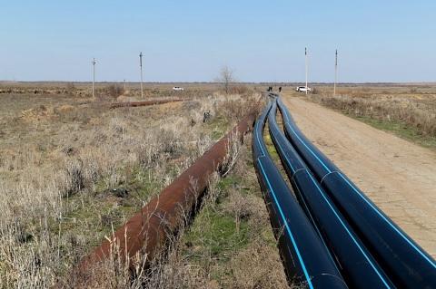 В Камызякском районе Астраханской области завершается строительство нового магистрального водопровода