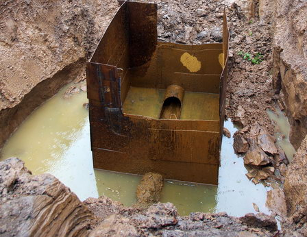 «НОВОГОР» в Новых Лядах санирует водовод методом нанесения цементно-песчаного покрытия